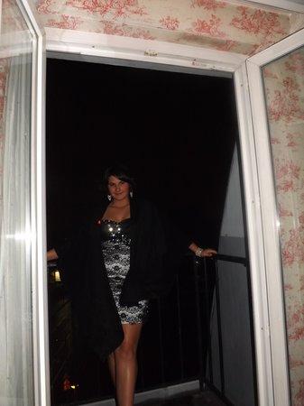 Villa Eugenie : Daughter on balcony