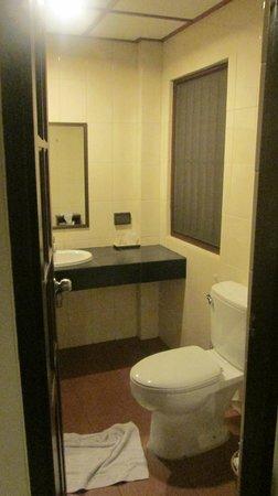 Rose Bay Resort: ванная комната