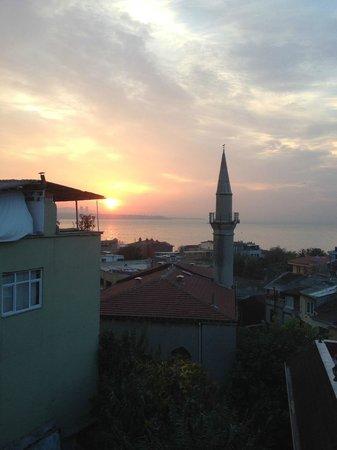 Dersaadet Hotel Istanbul: Sunrise in Istanbul,at Hotel Dersaadet