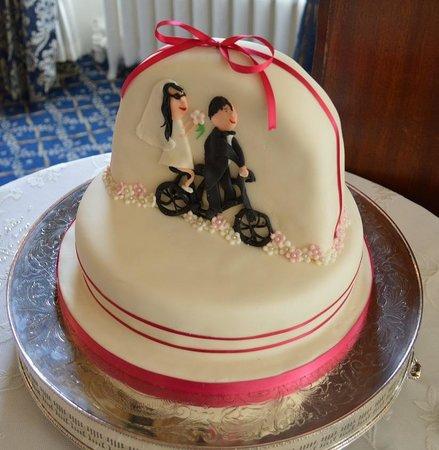 The Island Cafe : my wedding cake
