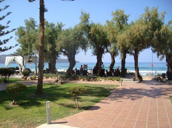 Santa Marina Beach Hotel: outside