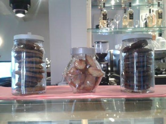 The Cradle Bistro: Cookies and Magdaleinas