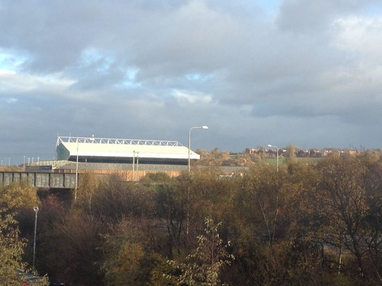 Premier Inn Leeds City West Hotel: View from the room