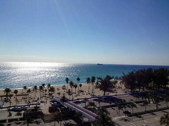 Bahia Mar Fort Lauderdale Beach - a Doubletree by Hilton Hotel: view from the room