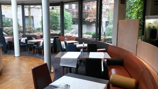 NH Brussels EU Berlaymont : Petit déjeuner somptueux