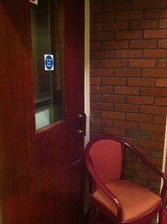 The Eaton Hotel : open fire door