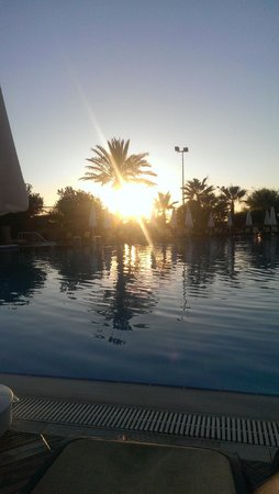 Alba Resort Hotel: Main Swimming Pool at Sunset