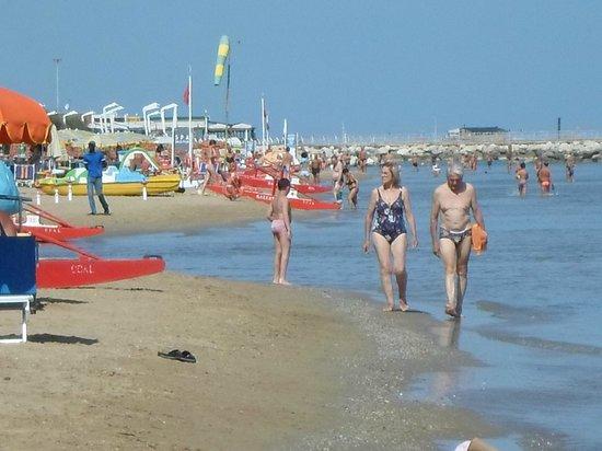 Rivazzurra Hotel: Beach Pesaro