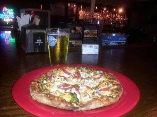 Deliciouspizza and Cold beer at Mama Mia Pizzeria