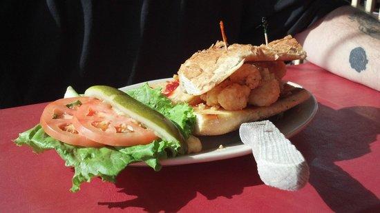 Ed's Seafood Shed: Shrimp po'boy