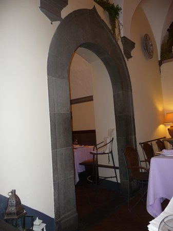 Preludio: Impressive grey-stone archways led into more intimate dining alcoves