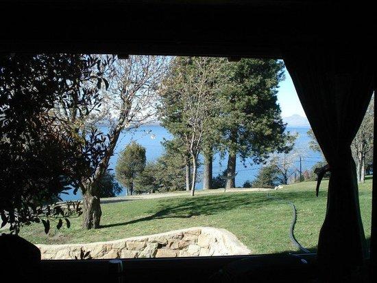 Los Manzanos Cabanas: Vista al lago