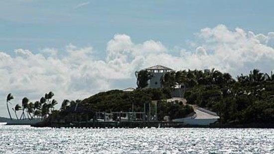 Exuma Water Sports: Faith Hill & Tim McGraw's House