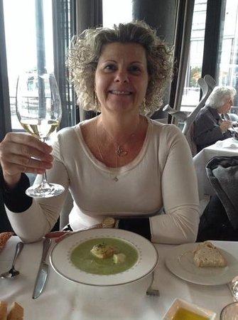 Lofoten Fiskerestaurant: entrada, excelente soupa de peixe!