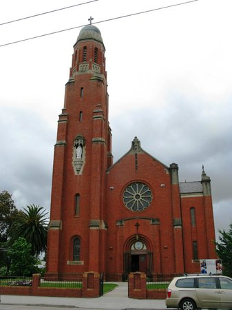 St Mary's Catholic Church: The Church