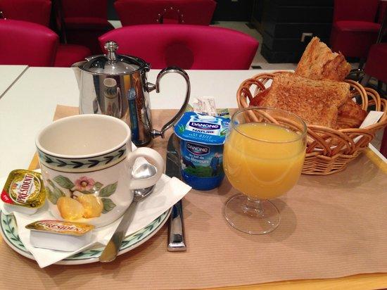 Hotel Royal Opera: breakfast
