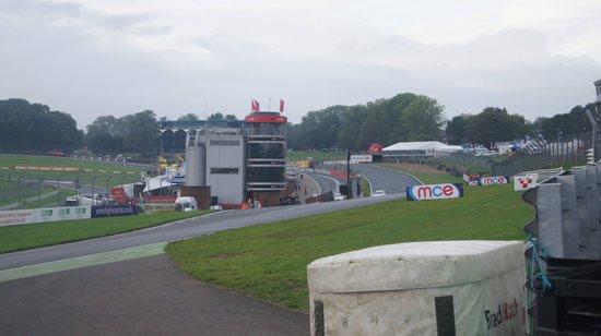 Brands Hatch : Paddock hill corner