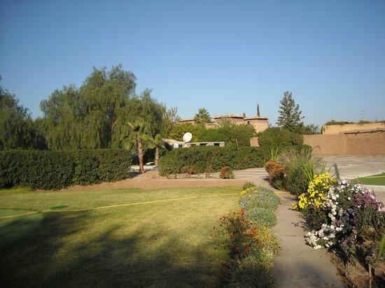 Villa Catherine : le riad vue du parc