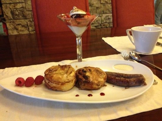 E'Terra: One of our delicious breakfasts