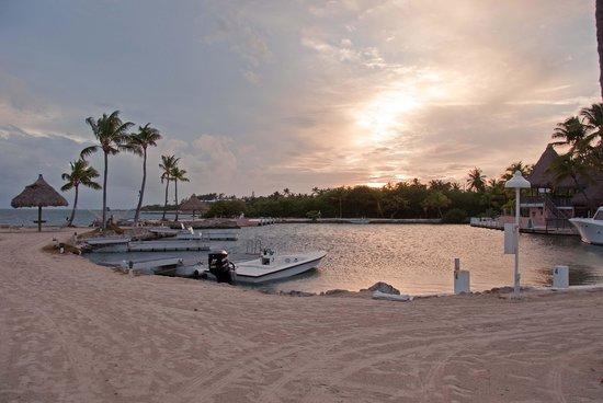 Chesapeake Beach Resort: Sunset over lagoon at hotel