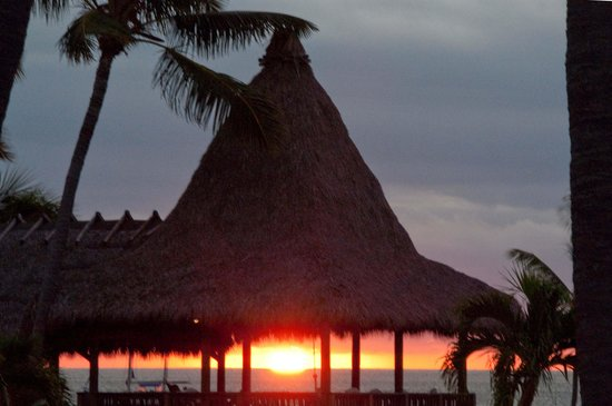 Chesapeake Beach Resort: Sunrise from room