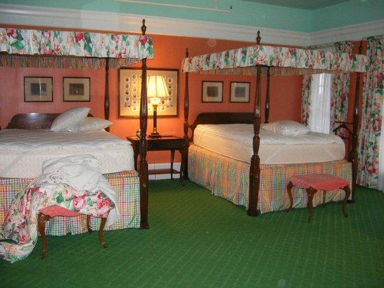 Grand Hotel: Deluxe Room/Suite