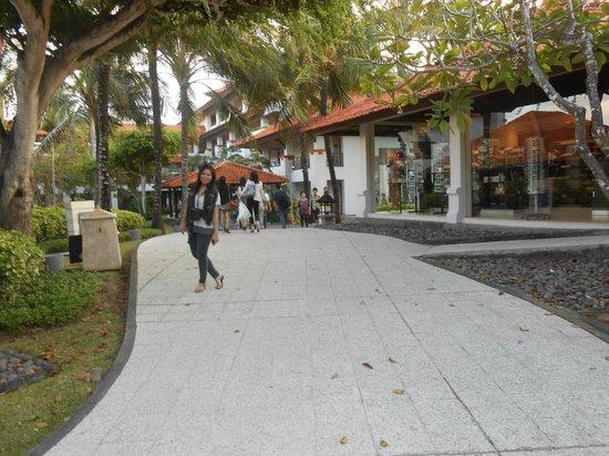 Grand Hyatt Bali: souvenir are here