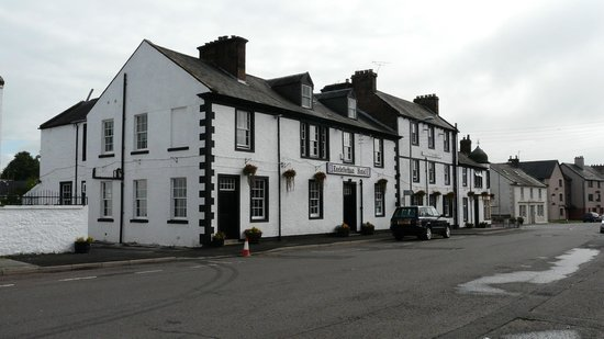 Ecclefechan Hotel: The hotel in the quiet High Street, now by-passed