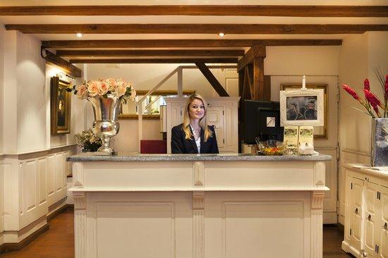 Garden Boutique Hotel: Empfang