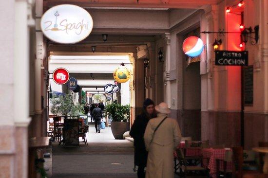 Made Inn Budapest: 19