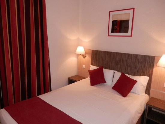 Comfort Suites Les Demeures Champenoises: CHAMBRE
