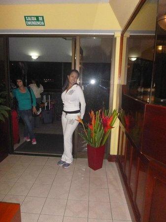 Apartotel Suites Cristina : Recepcion