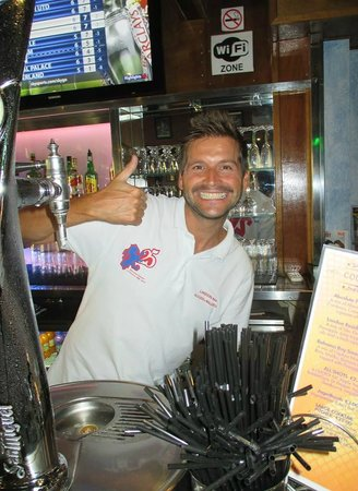 Linekers Bar Alcudia: Our friendly happy staff