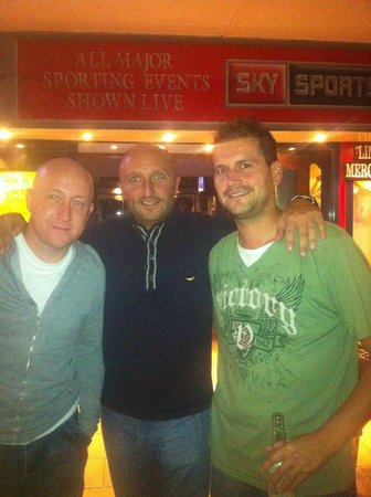 Linekers Bar Alcudia: Lads night out