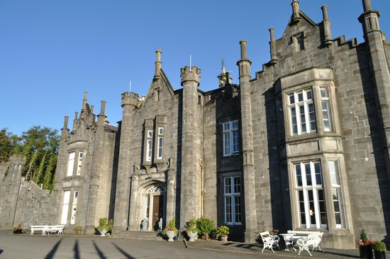 Belleek Castle: A castle