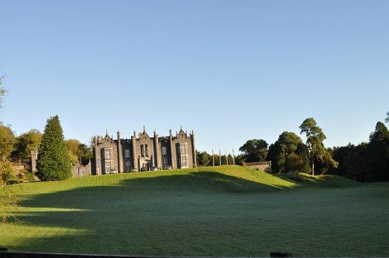 Belleek Castle: Impressive arrival