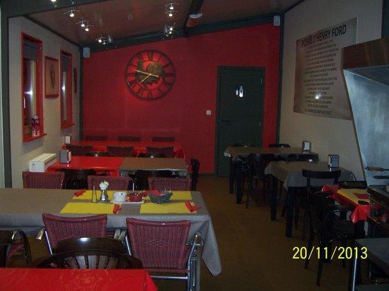 Restaurant Les Etangs du Cheneau: interieur renovè