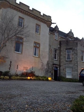 Tulloch Castle Hotel : the entrance