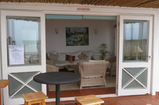Backpackers Beach House Lodge : View of Lounge