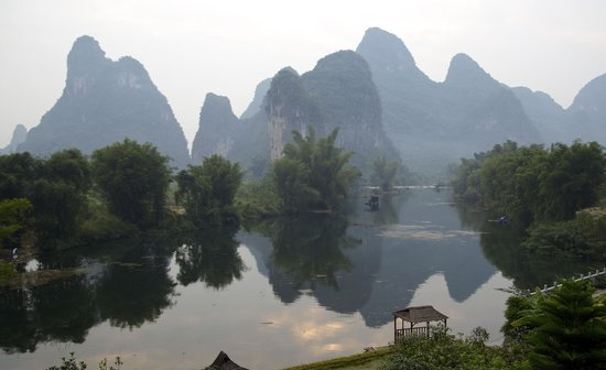 Yangshuo Mountain Retreat: The view from our bedroom