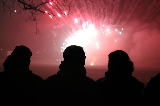 Hotel Bellevue : Viewers at Interlaken's New Year's Day Firework show