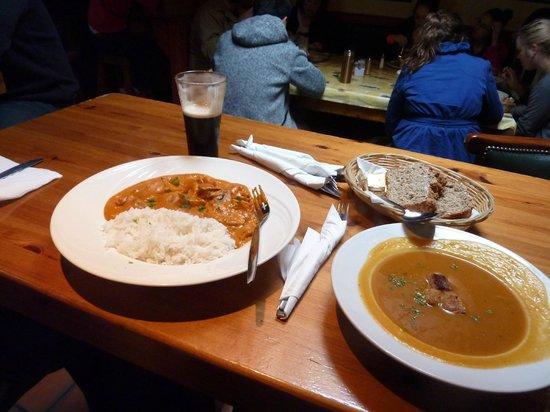 McGann's Pub and B&B: notre déjeuner (les plats sont copieux, les assiettes de la photo sont creuses ;-))