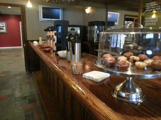 The Upper Pass Lodge: Coffee Bar