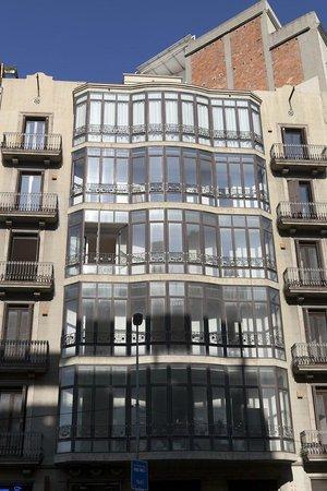 Serennia Apartamentos Ramblas - Placa Catalunya : Fachada