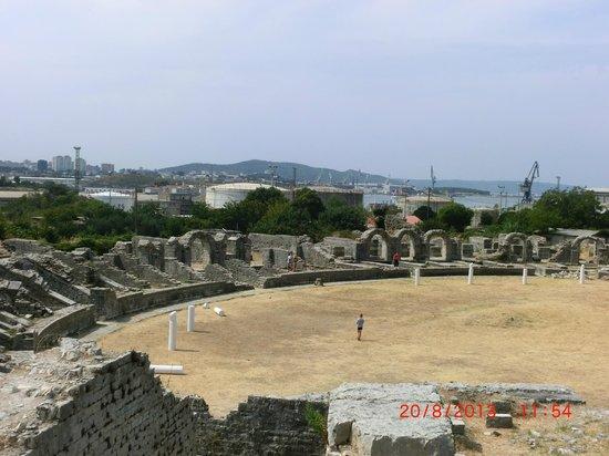 Ruins of the Solin Amphitheatre : l'anfiteatro