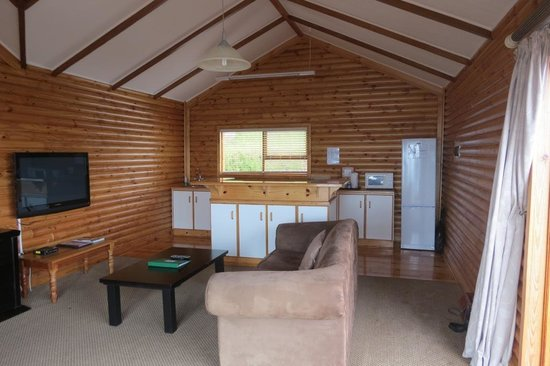 Storms River Mouth Restcamp : Living Area - Honeymoon Cottage