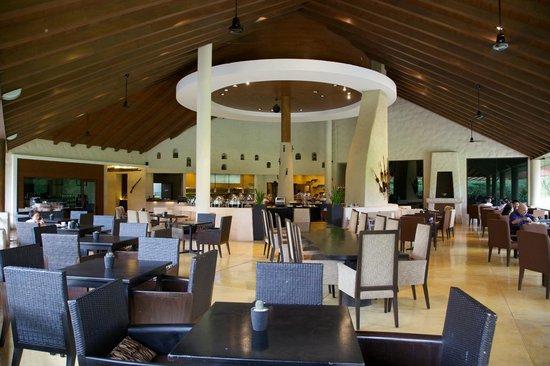 Kirimaya Golf Resort Spa: T-Grill Restaurant.