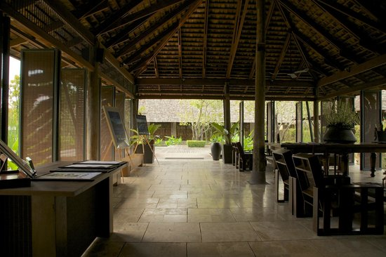 Kirimaya Golf Resort Spa: Reception lobby building.