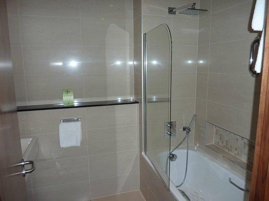 Ashling Hotel: sdb avec baignoire