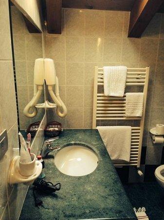 Albergo da Kico: il bagno della camera